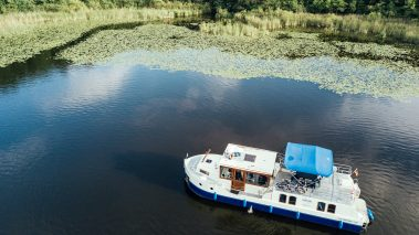 Genießen Sie Ihren Urlaub auf einem Hausboot von KUHNLE-TOURS