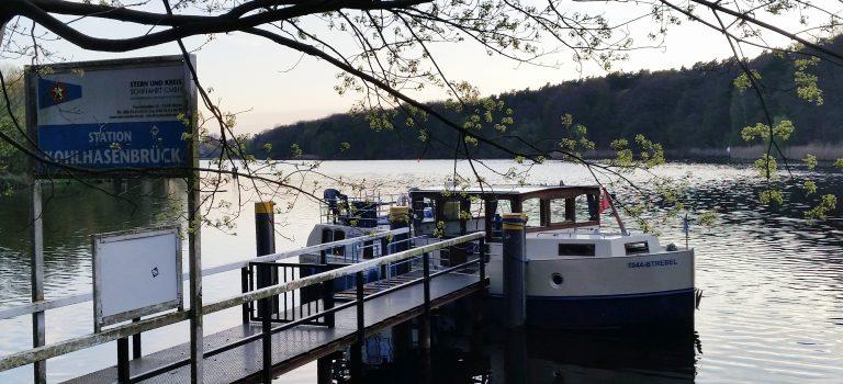 Hausboot und Baden