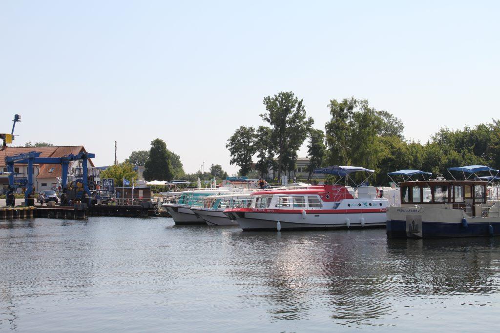 Marina im Hafendorf Müritz
