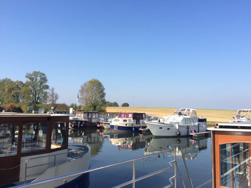 Der Hausboot Hafen Niderviller