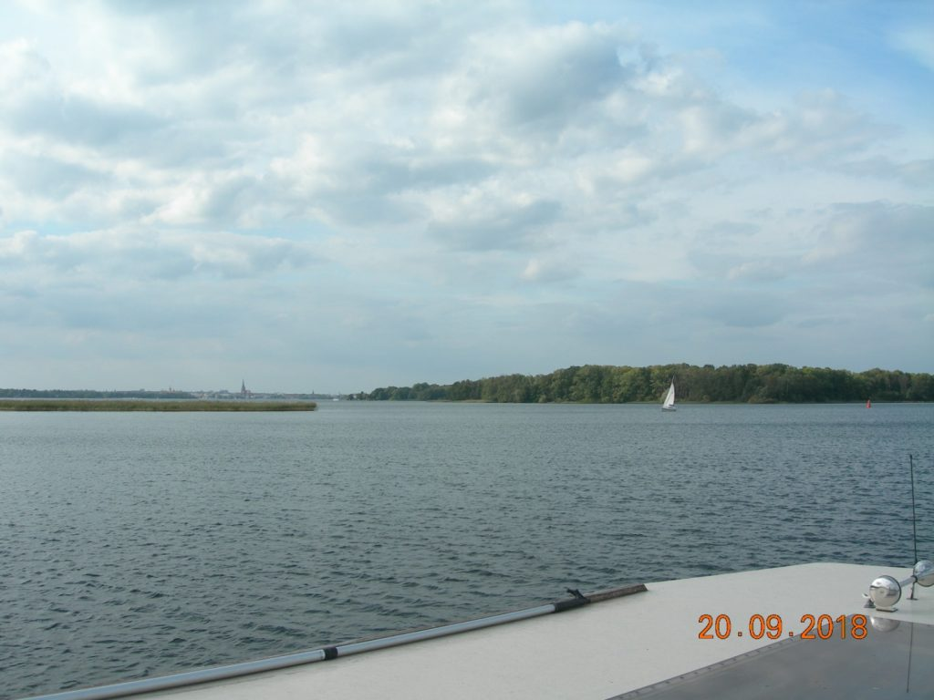 Mit dem Hausboot auf dem Schweriner See